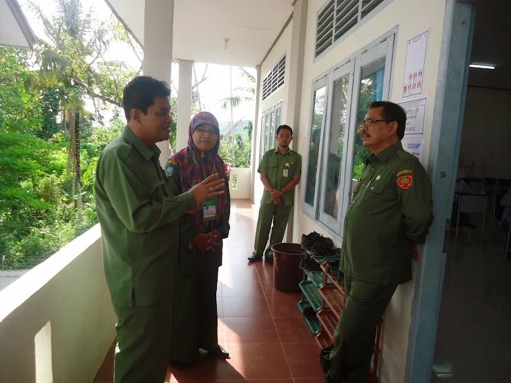 Sekdakab Pidie Jaya Kunjungi UN Hari Pertama di SMAN Unggul Kabupaten Pidie Jaya