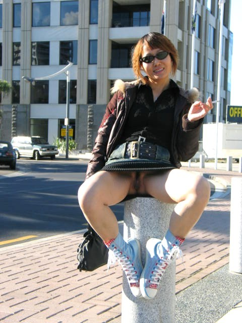 Super Lovely Chinese middle-aged wife(living in New zealand)'s dirty wet pussy,anus outdoor exposure and blow job photos leaked (334pix)