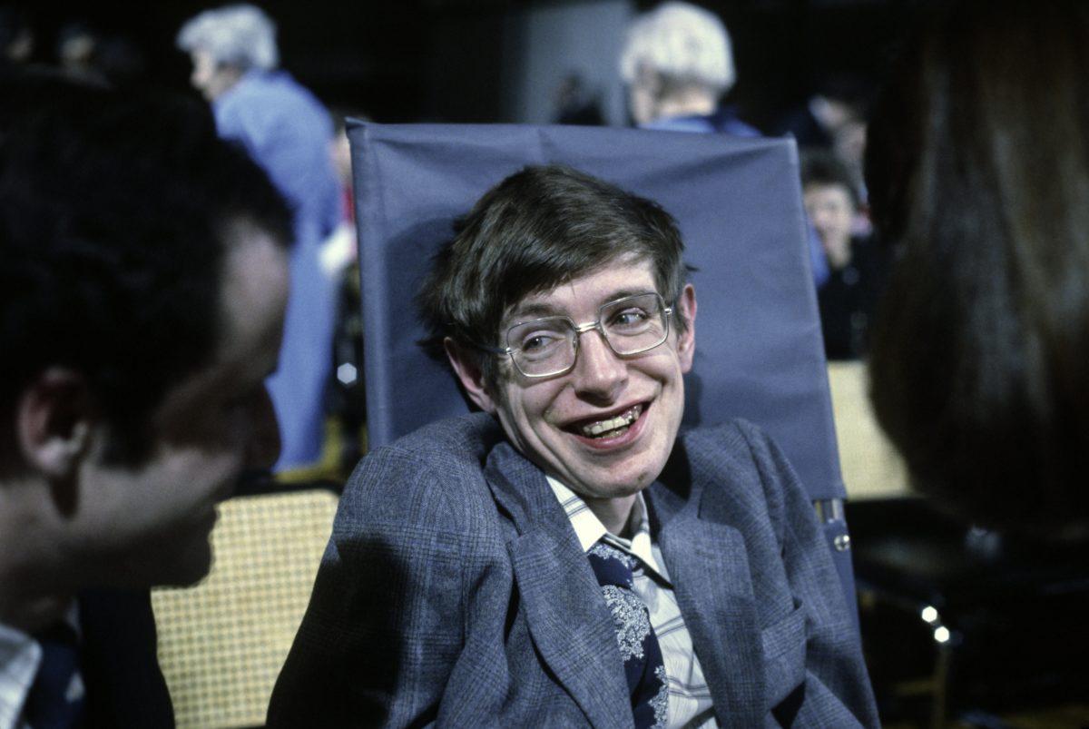 Stephen Hawking Letzte Worte Leben Wir In Der Matrix Herzlich