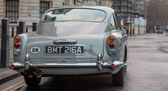 ‏James Bond vehicles · ‏Aston Martin DB6 · ‏Aston Martin DB4
