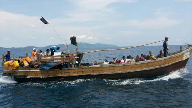 ONU teme por la vida de 56 rohingyas que huyen por mar de Myanmar