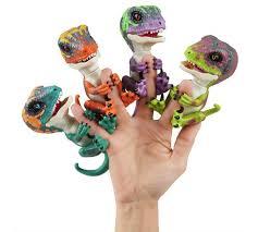 Fingerlings Untamed Dinosaur Raptors