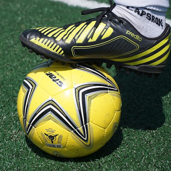 Ini Tips Mencari Sepatu Futsal Terbaik dan Daftar Harga Sepatu Futsal Terbaru