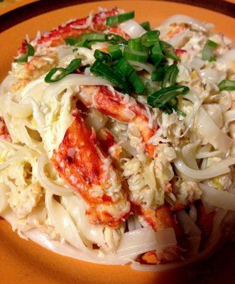 fideos de arroz con centolla y coco
