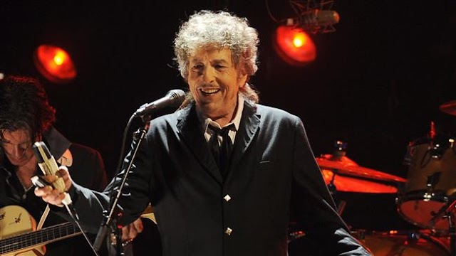 Nobel Prize for Literature goes to US singer-songwriter Bob Dylan
