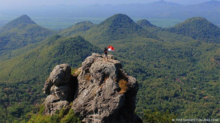Puncak Bukit Cumbri