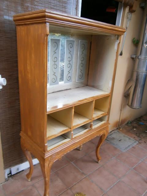 - Muebles antiguos pintados de blanco ...
