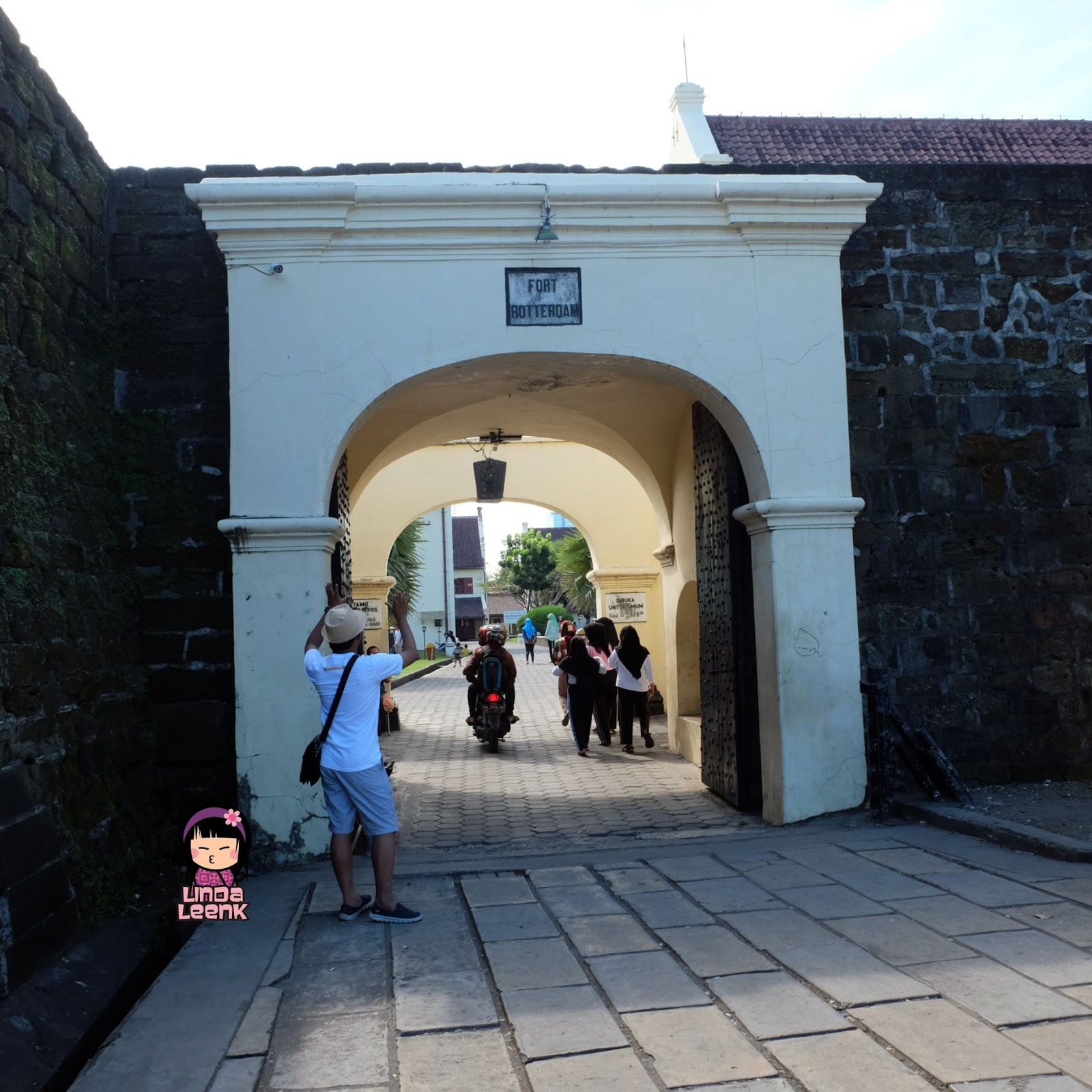 Lindaleenk Little Part Of My Life Lingtrip Wisata Sejarah Di Benteng Fort Rotterdam Makassar