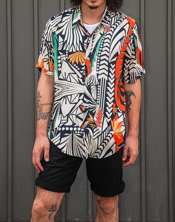 Look masculino camisa estampada