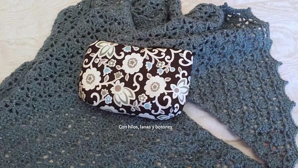 Con hilos, lanas y botones: Cartera Cala