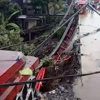 Jalan Ambrol, Arus Lalin Bogor - Sukabumi Macet Total