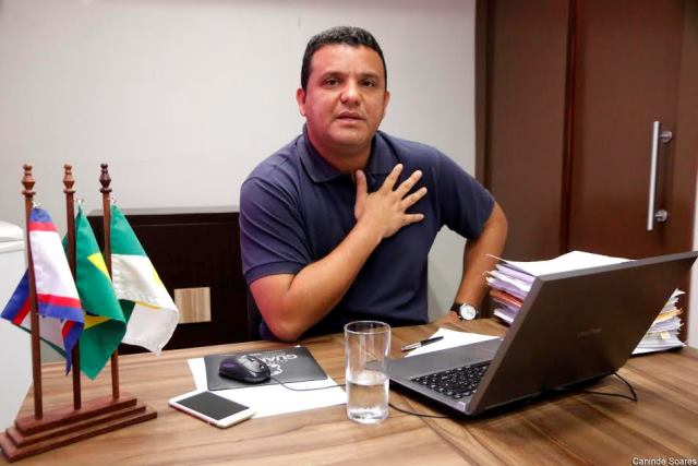 Resultado de imagem para O prefeito Hélio Willamy,