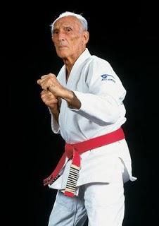 e98854b6b611 La ceinture rouge dans les arts martiaux ~ The Arts of Fighting