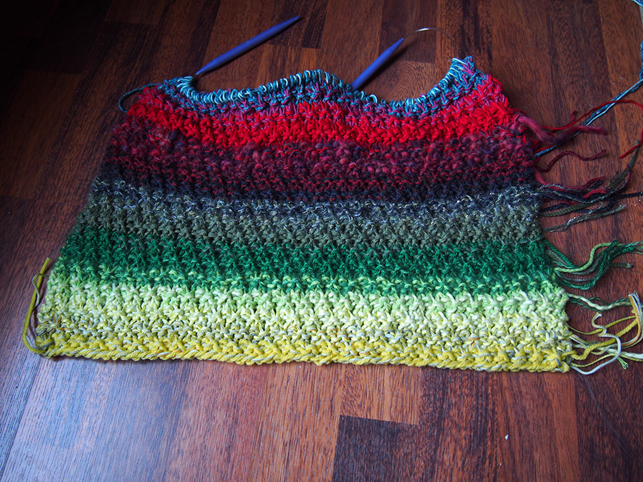 Scraptastic Pullover I: a way to use your knitting scraps, by Dayana Knits