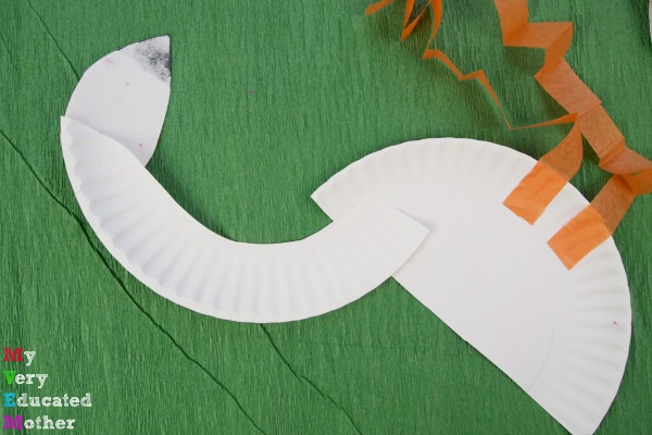 A great kids craft activity for lessons on birds or colors, Paper Plate Flamingos.