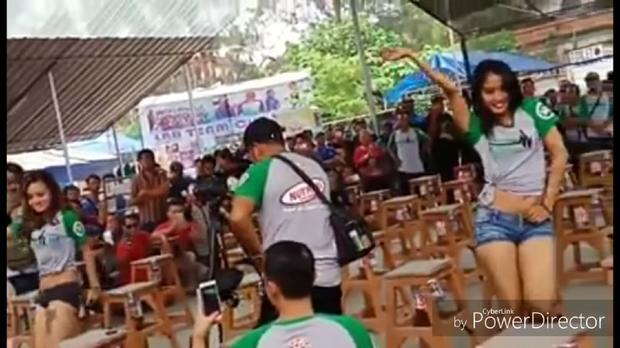 Lomba Burung di Surabaya Sajikan Tarian Erotis