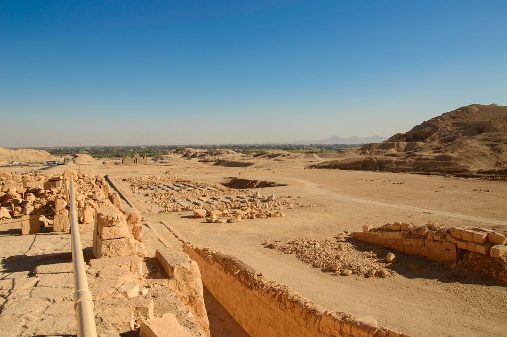 Храм Хатшепсут раскопки фото