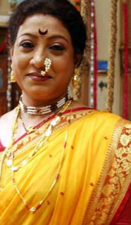 Swati Chitnis family, age, husband, marathi natak, Wiki, Biography