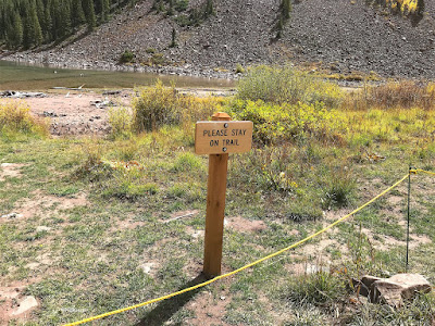 Maroon Bells, sign