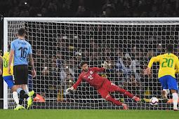 Com gol de pênalti de Neymar, Brasil ganha do Uruguai por 1 a 0