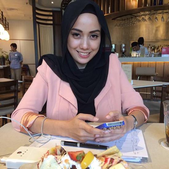 6 Gambar Lawa Pelakon Mia Ahmad