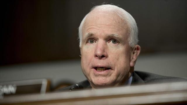 """McCain: Posible hackeo ruso contra EEUU es un """"acto de guerra"""""""