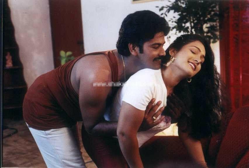 Aunty Navel Kiss In Half Saree Blouse - Hd Latest Tamil -1253