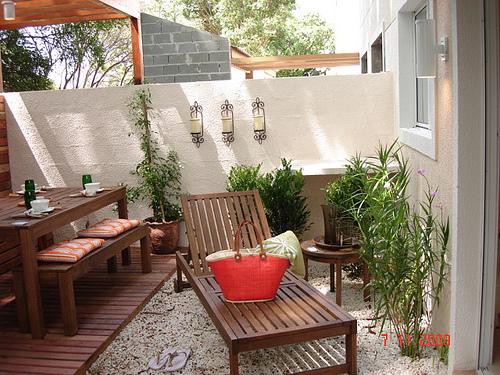 Quintal casa alugada ideias simples casas poss veis for Bases para jardineras