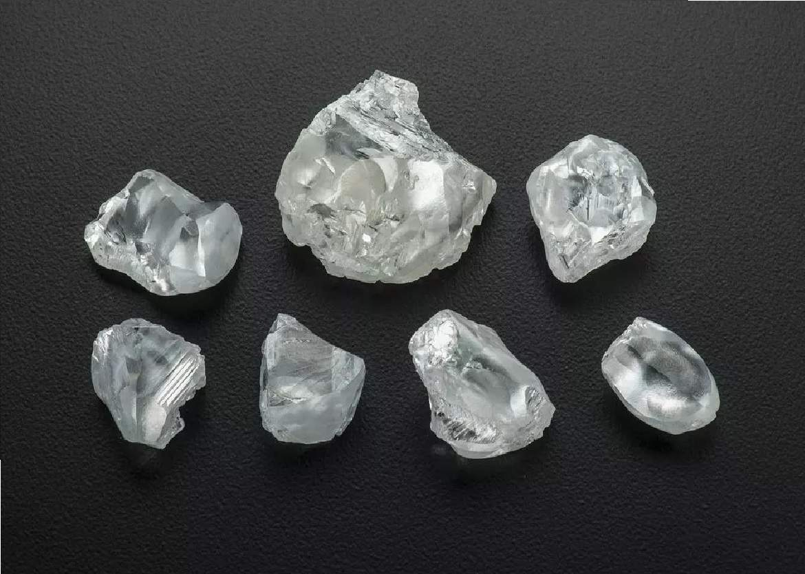 Mantle Plumes Can Destroy Diamonds