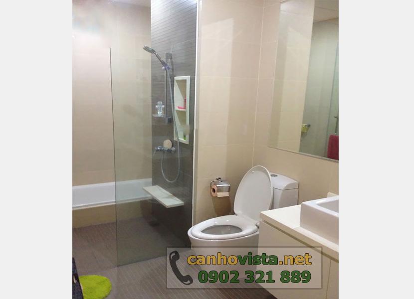thuê căn hộ The Vista 2 phòng ngủ tầng 10 - phòng tắm kính