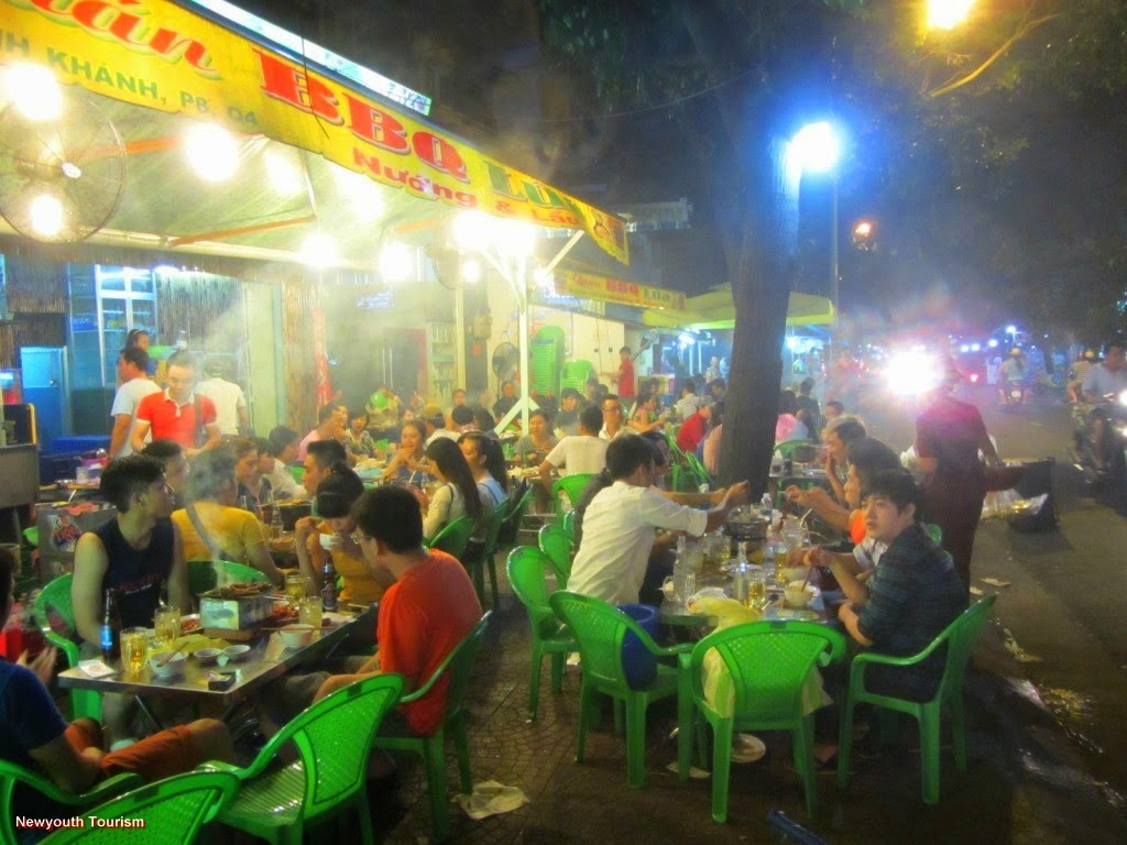 Best Street Food Streets in Ho Chi Minh city 10