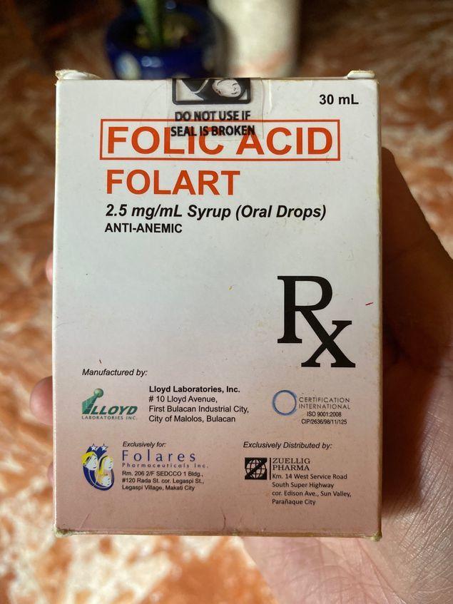 A bottle of Folart drops for kids