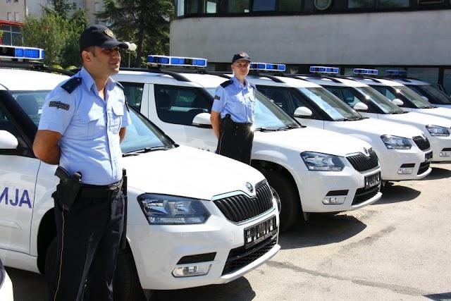 Tschechien sponsert 25 Streifenwagen für Grenzer
