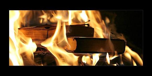 Τα σκάνδαλα όμορφα... καίγονται