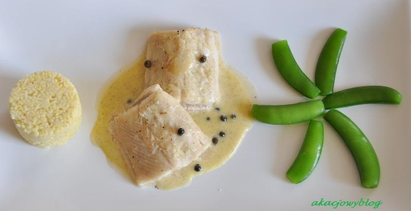 Ryby na Polanie - pstrąg w sosie waniliowym z zielonym pieprzem.