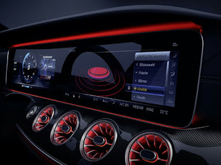 Mercedes-Benz High-Tech CLS Dashboard