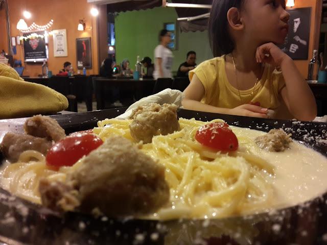DINNER DI CHILL OUT CORNER MELAKA