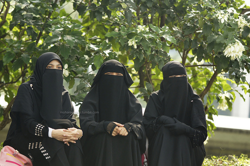 Alangkah indahnya jika engkau mengenakan jilbab