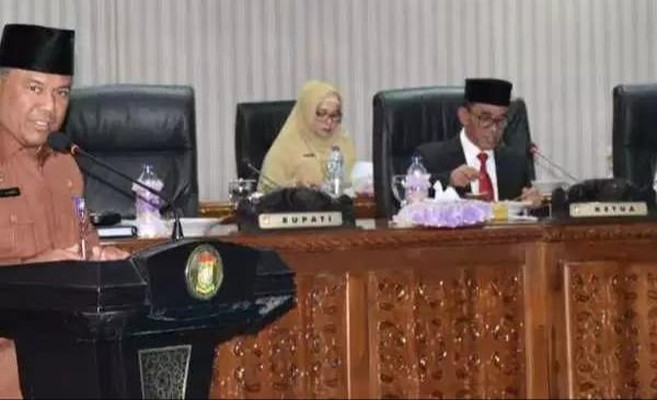 Pemda Kabupaten Kampar Sampaikan LPJ 2018 Melalui Rapat Paripurna