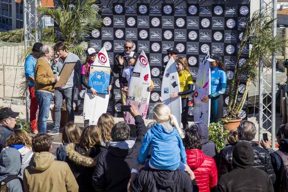 1 women podium Junior Pro Biscarrosse Foto WSL Damien Poullenot