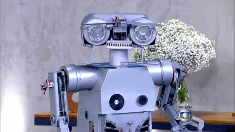 Conheçam Js 01 Um Robô Criado Com Material Reciclado E Totalmente