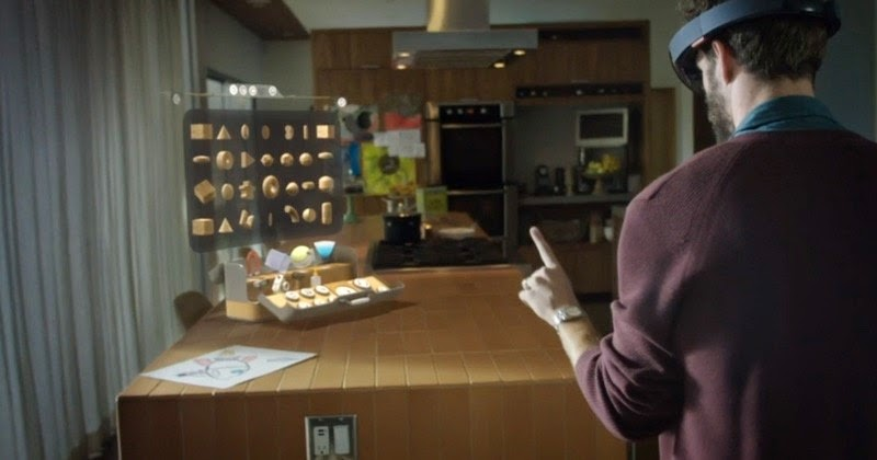 HoloLens Play