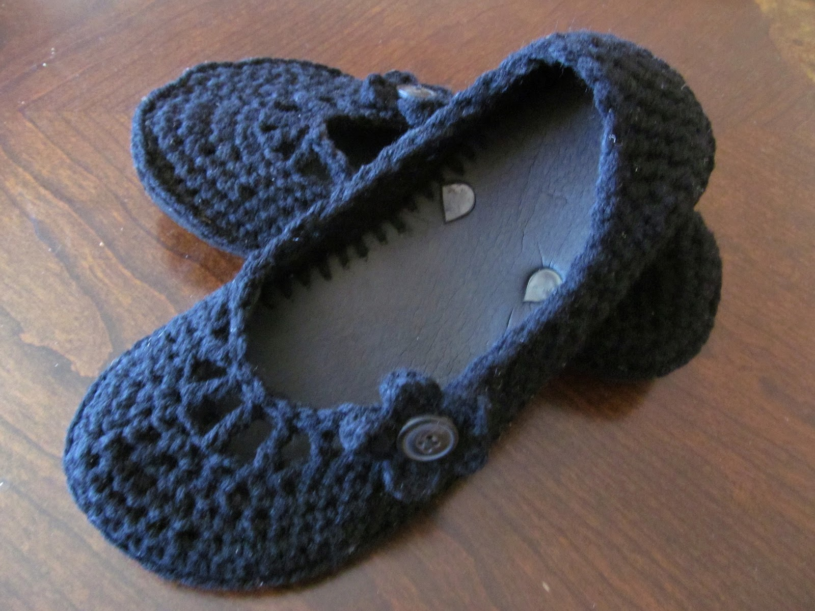 2c24847949cad9 A Crafty Cook  Flip Flop → Crocheted Flat Tutorial