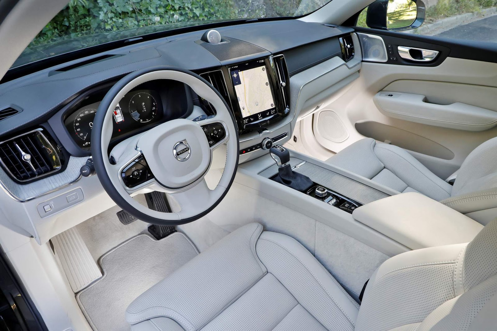 Volvo xc60 2018 pre os vers es e especifica es brasil for Volvo xc60 interieur