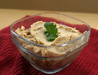 Easy Homemade Hummus 9