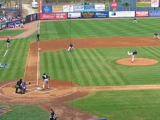 First pitch, Marlins vs. Metropolitans
