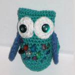 http://www.craftsy.com/pattern/crocheting/toy/little-owl-amigurumi/167066?rceId=1445282792759~yqp34ze4