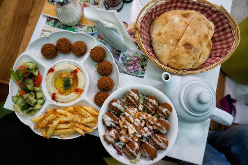 jedzenie w Bośni, jedzenie na Bałkanach, podróż do Bośni, podróż na Bałkany, falafel