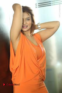 Actress Saloni Aswani Pos in Short Dress at Meelo Evaru Koteeswarudu Movie Interview  0254.JPG