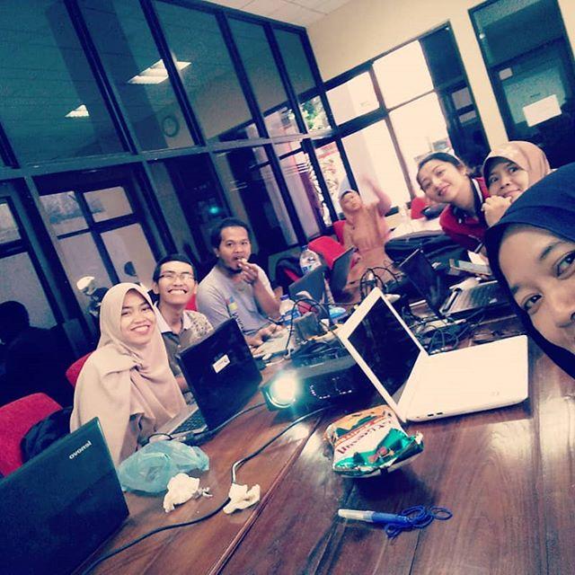 Sharing Bloggerpreneurship di Kelas Digital Coding Mum